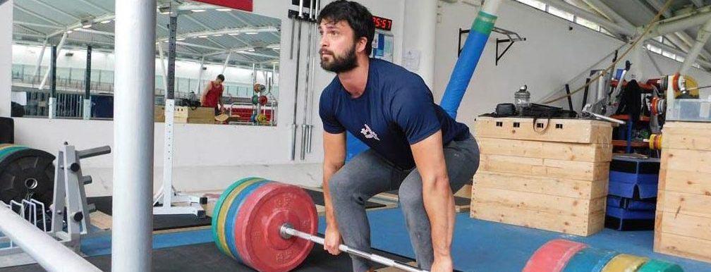 Adam Warwicker Weghlifting Coach At The Commando Temple 8